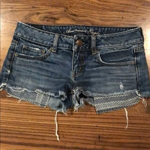 American Eagle Distressed Jean Short Shorts Size 0